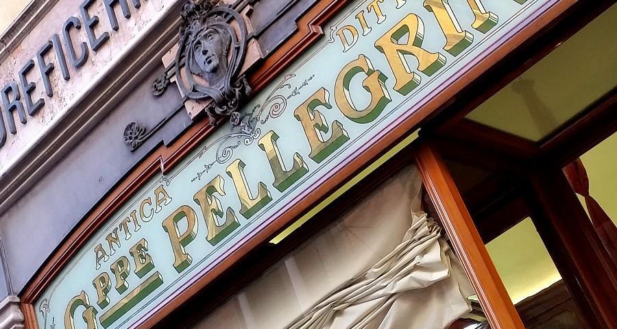 Włoskie szyldy sklepowe